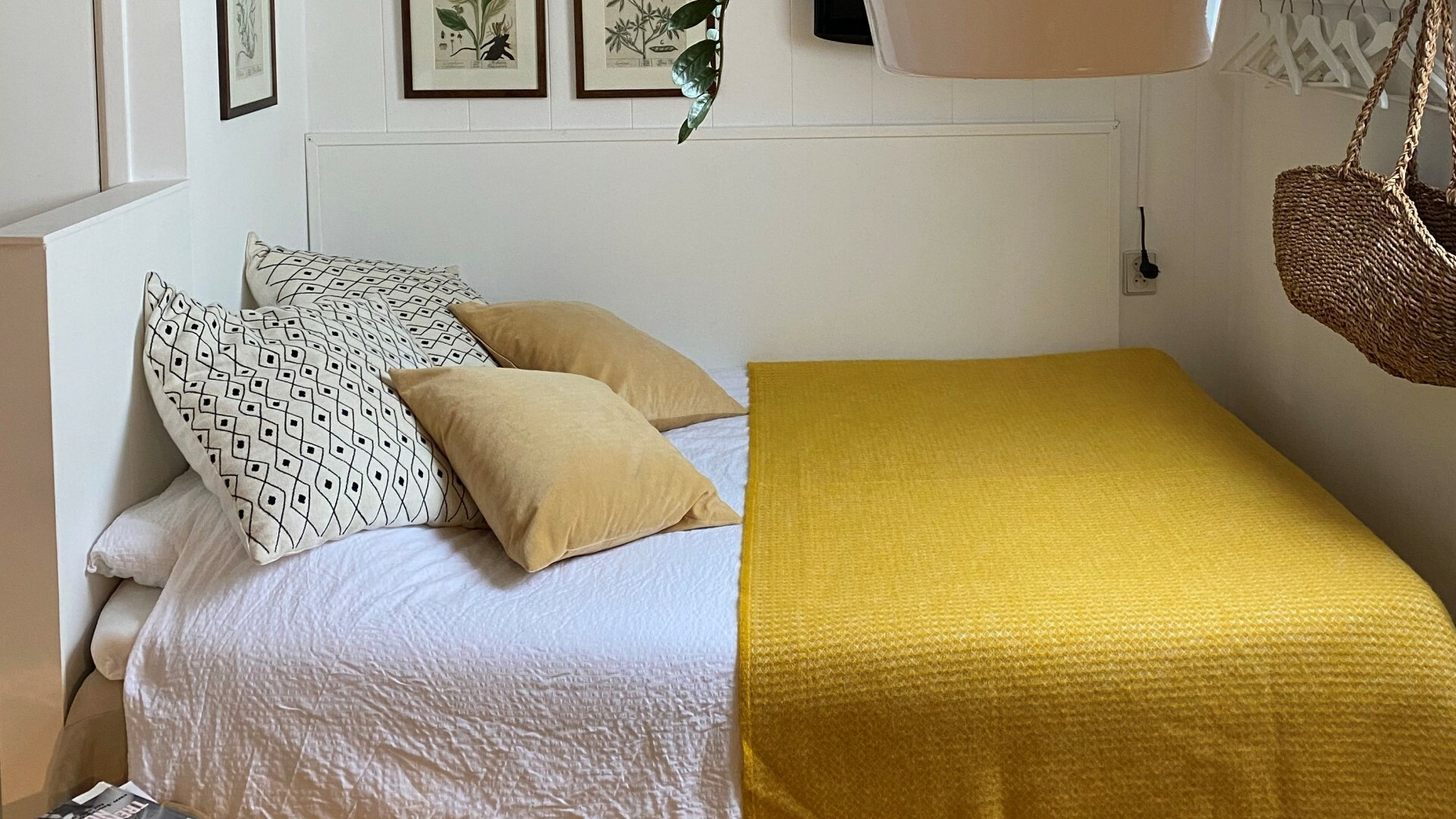 Slaapkamer bed en breakfast Klif 1 studio VVV Texel