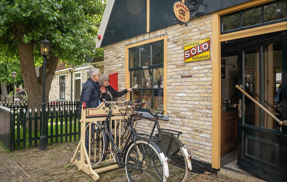Binnen kijken in oude Texelse huisjes bij Museum Kaap Skil VVV Texel