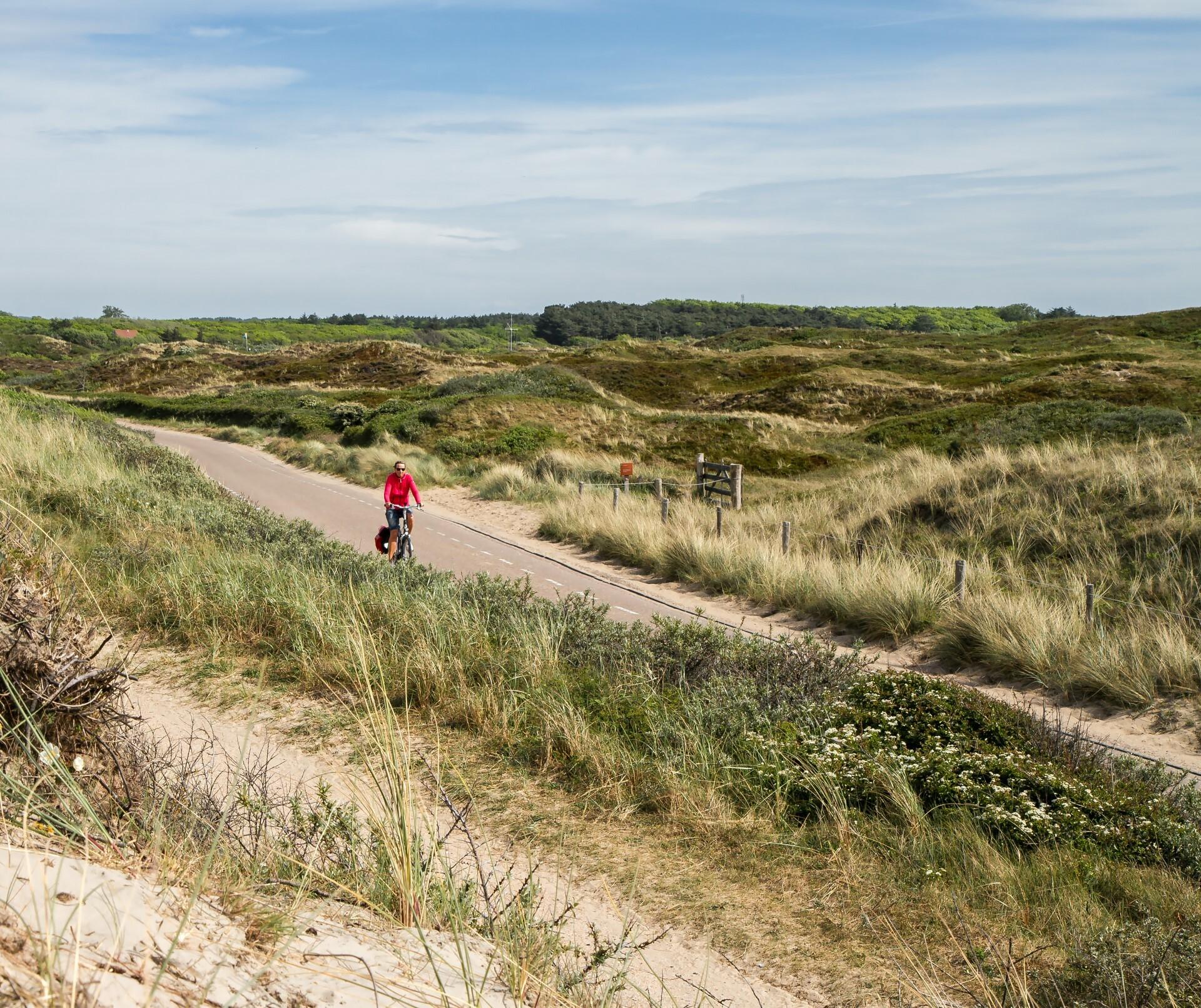 Fietsen in de duinen VVV Texel fotograaf Justin Sinner