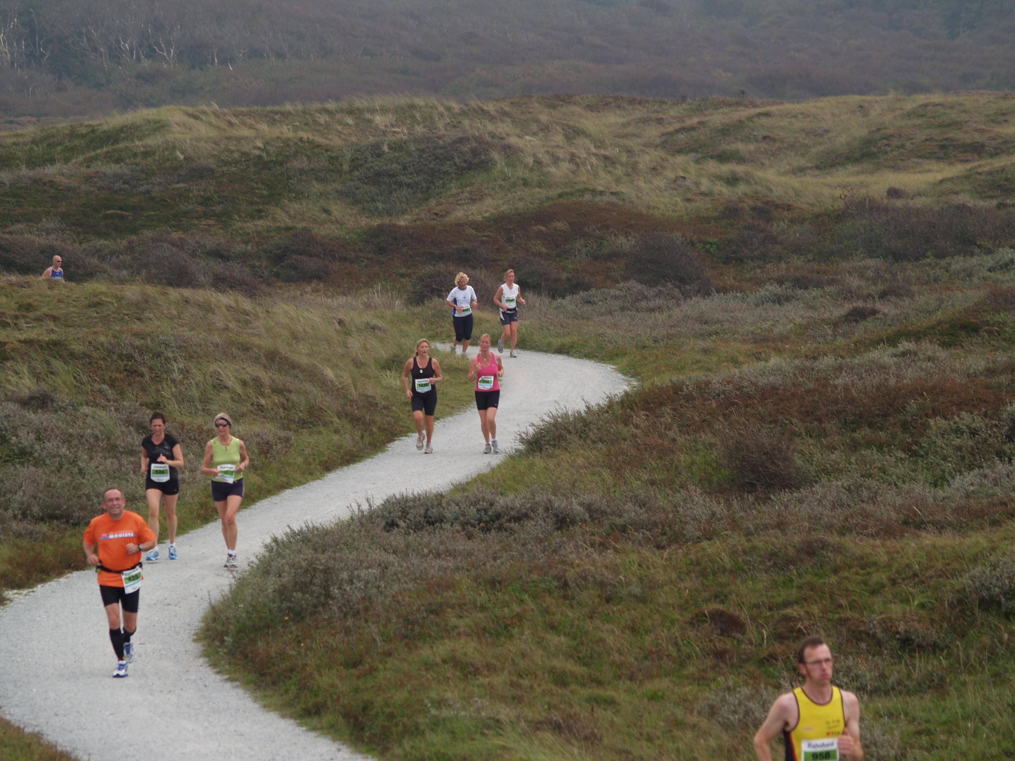 Texel Halve Marathon hardlopen in de duinen VVV Texel