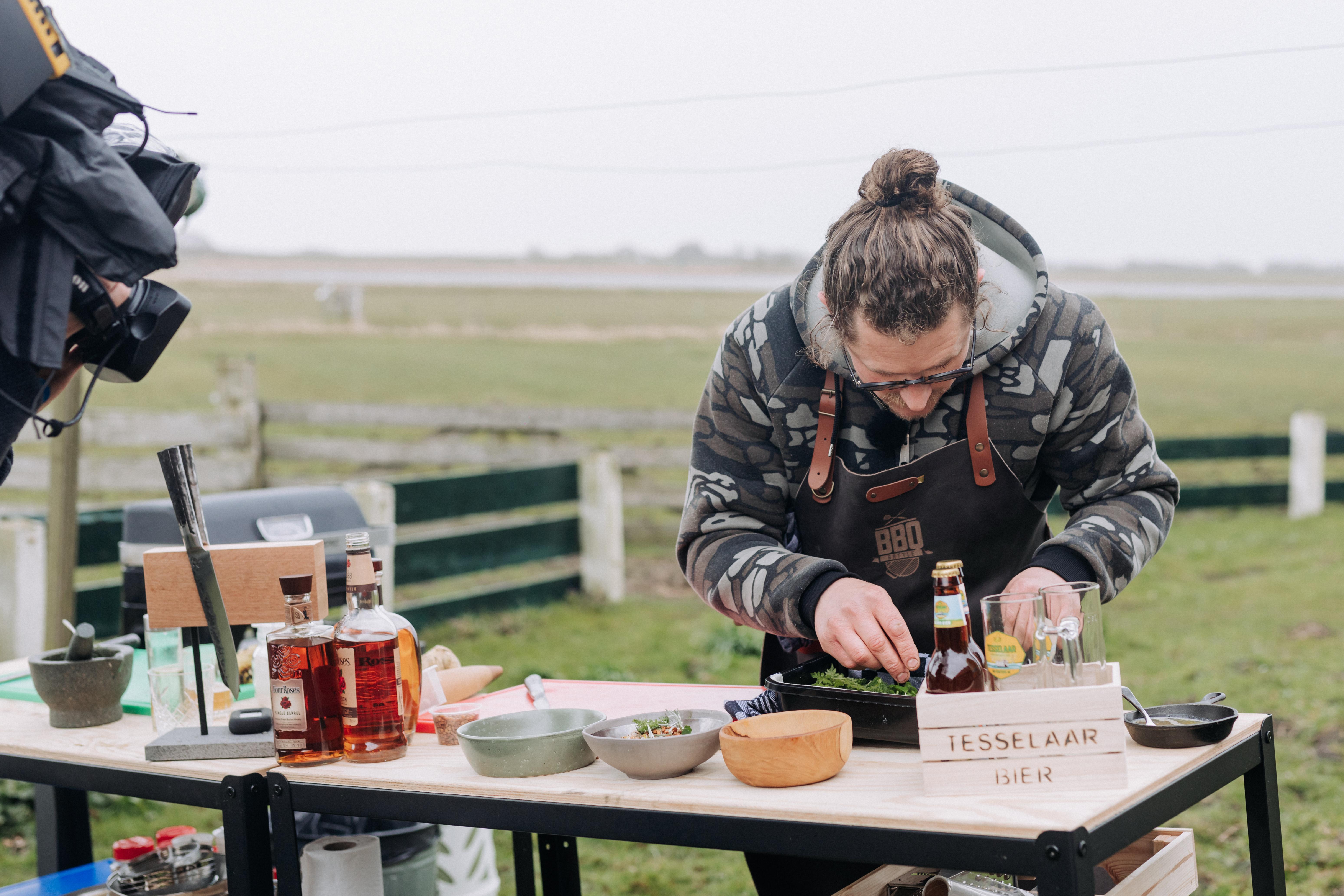 Dewi van der Plaats tijdens de BBQ Battle VVV Texel
