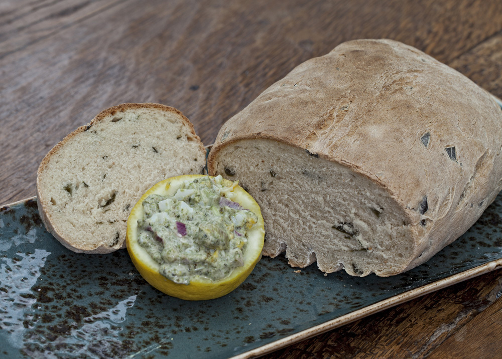 Zeewierbrood boter pesto VVV Texel Fotograaf Annette van Ruitenburg