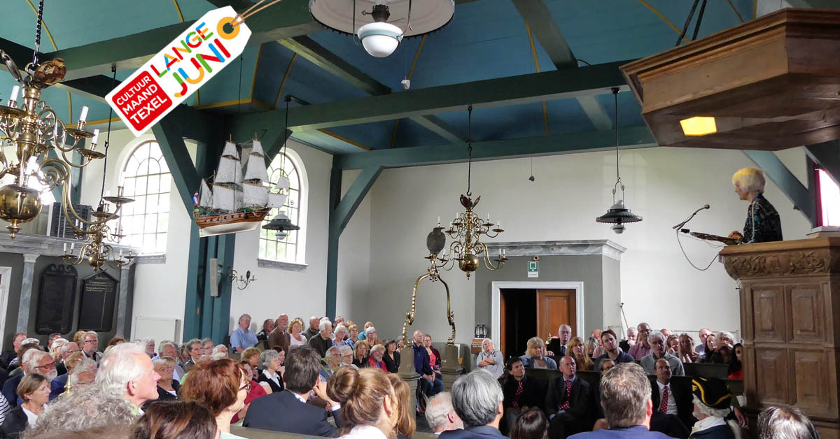 Marli Huijer tijdens de Rede van Texel VVV Texel
