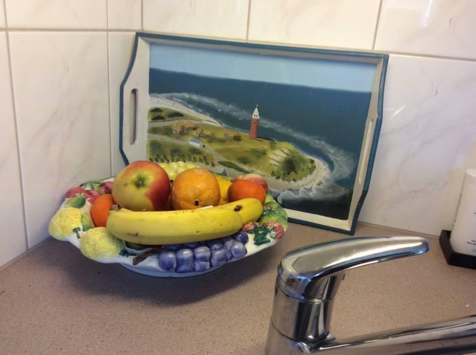 Dienblad in de keuken VVV Texel Fotograaf Paula Hoekstra bijdemast