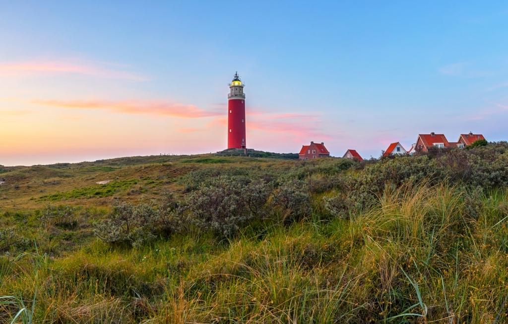 Vuurtoren nazomer duinen VVV Texel fotograaf Justin Sinner