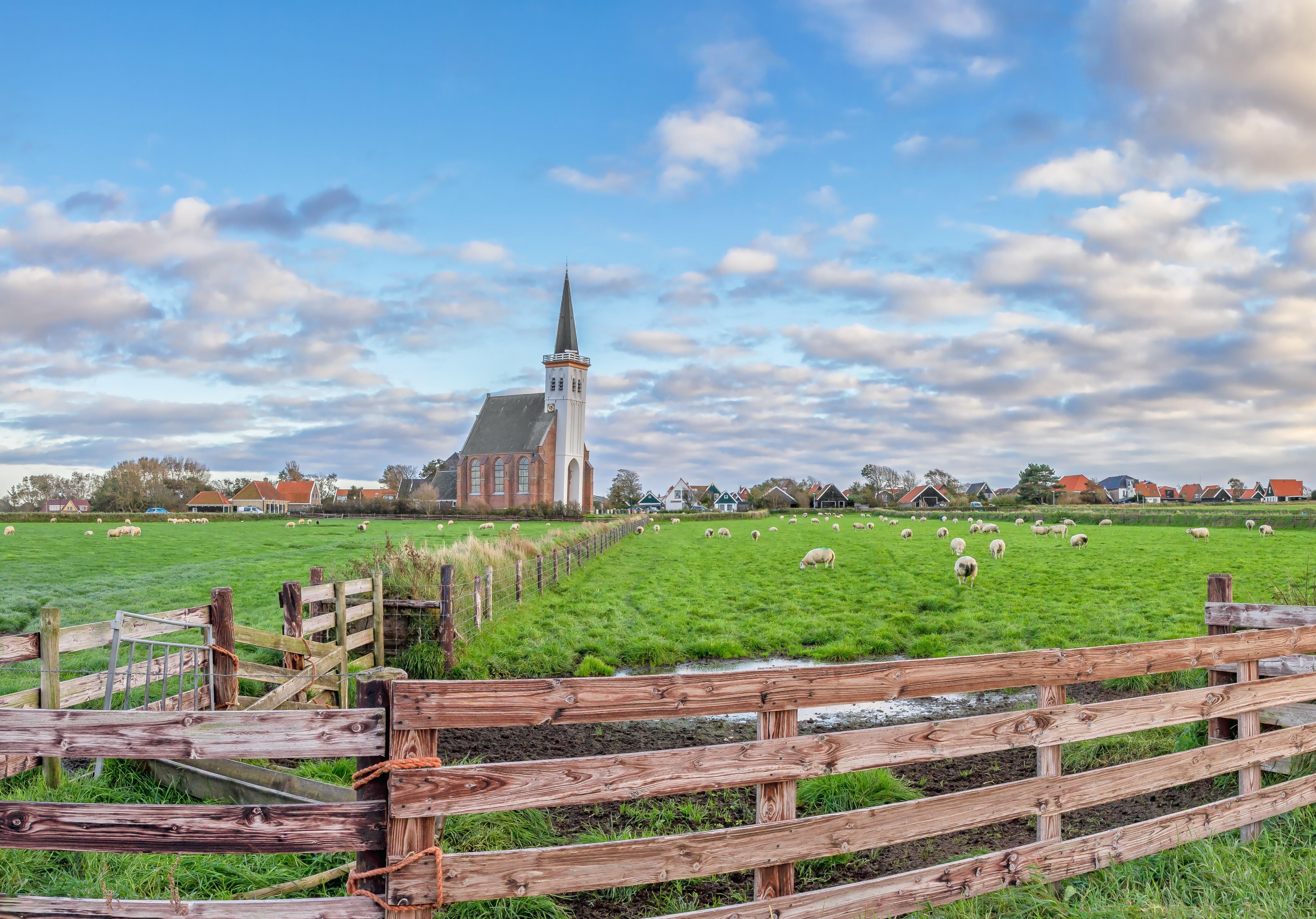 Landschap met kerk bij Den Hoorn VVV Texel fotograaf Justin Sinner