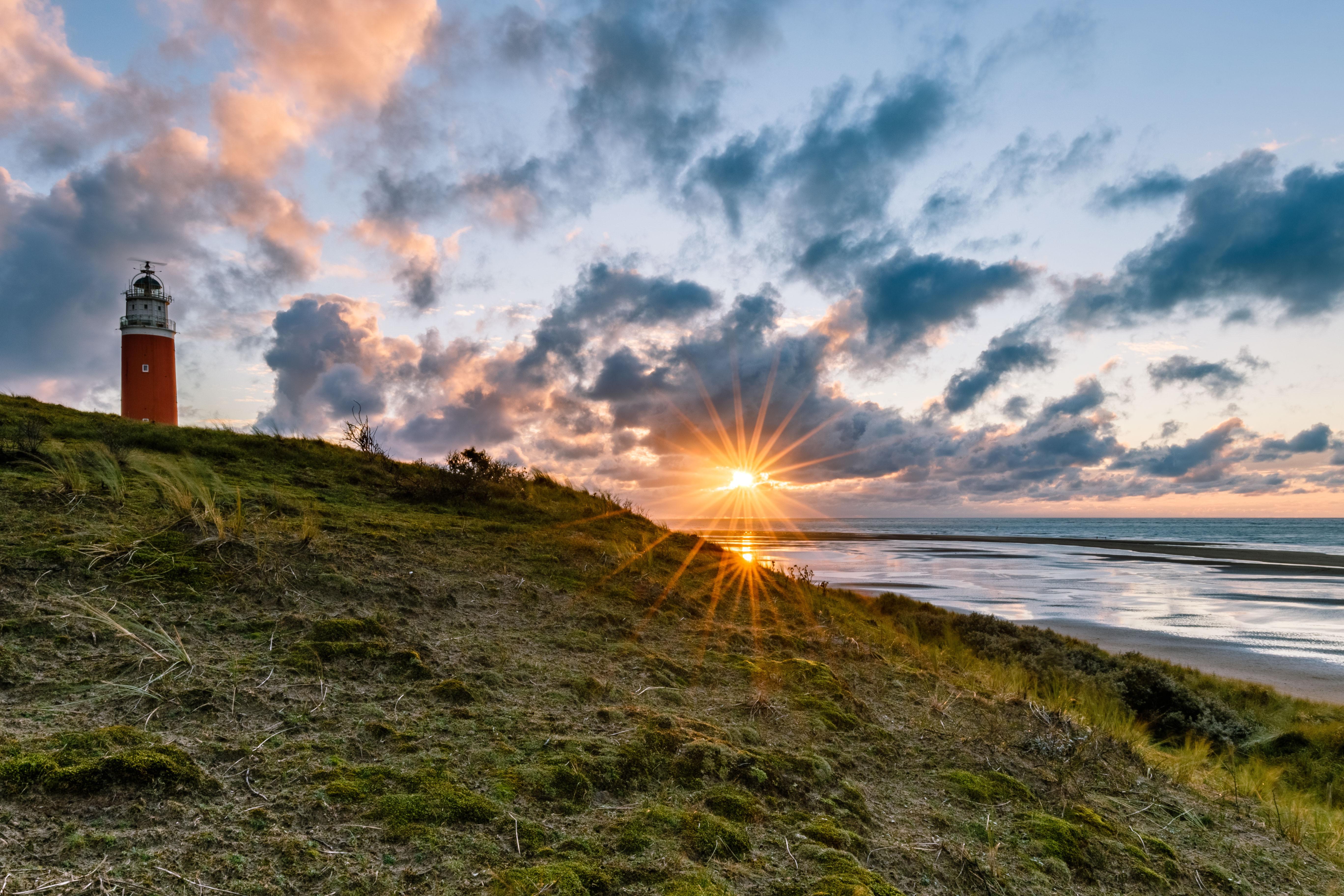 Zonsondergang bij de vuurtoren fotowedstrijd VVV Texel Kevin van den Hoven